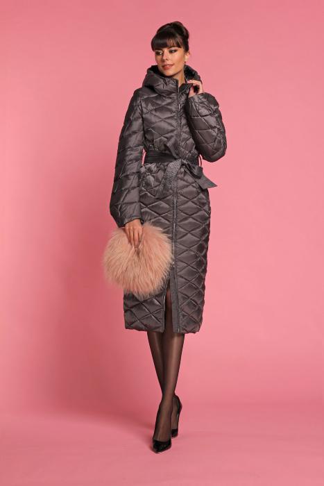 Пуховик NAUMI WF16 55 00 pepper Модное приталенное пуховое пальто Naumi WF16 55 00 pepper отлично садится на разные фигуры. Оно действительно очень изящно смотрится в любом размер, от 40 до 54!